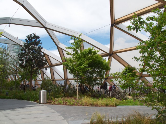 Crossrail Place Roof Garden | © Andrea Vail/Flickr