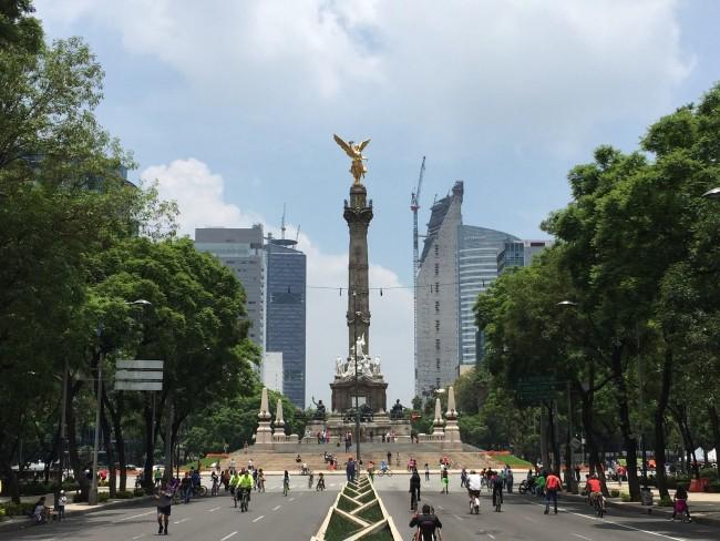 Paseo de la Reforma   ©TJ DeGroat/Flickr