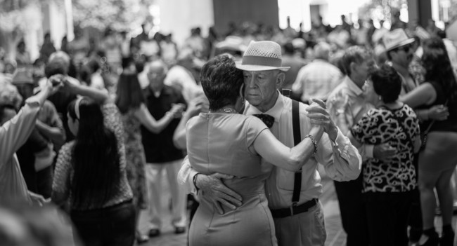 Couple Dancing | © Ebarella_R/Flickr