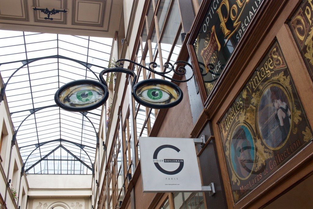 Inside a covered passage, Paris|© Flickr/Naotake Murayama
