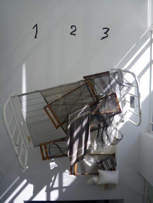 Deconstructed Bed by Antoni Tàpies © PunkToad