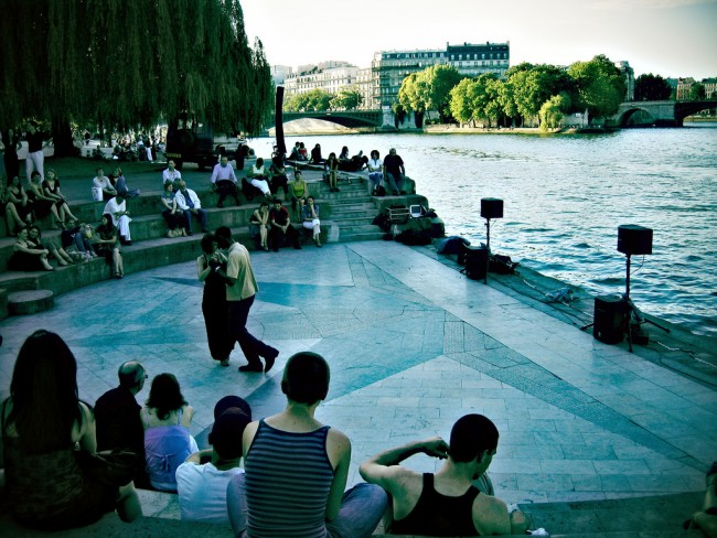 Start of the Night on the Quai | © Lian Chang/Flickr