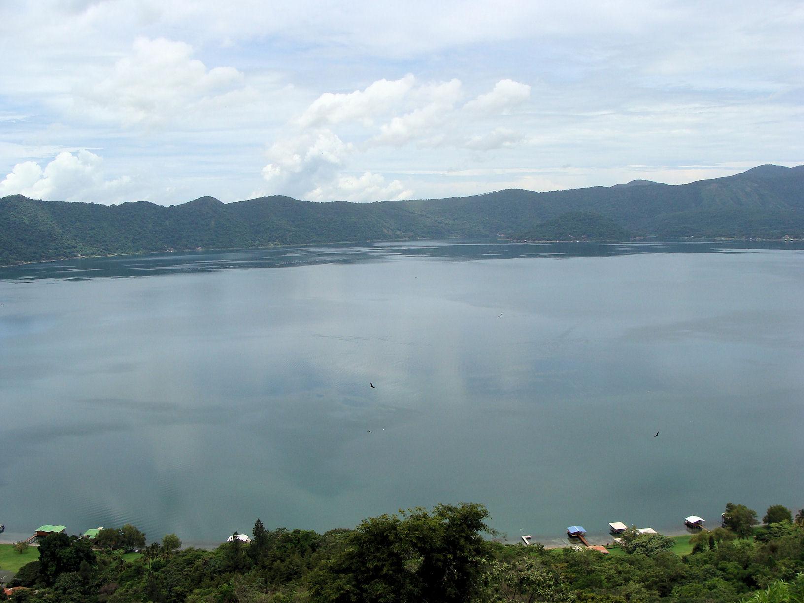 Coatepeque Lake | © Karen & Carlos Reyes/Flickr