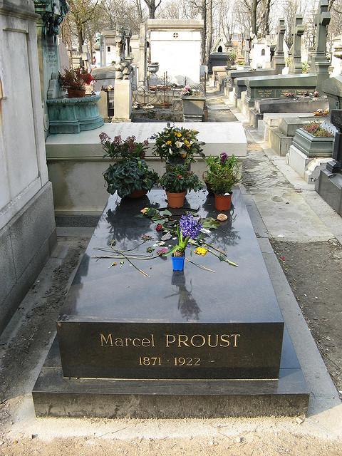 Proust's Grave At Père Lachaise Cemetery|© Olivier Bruchez/Flickr