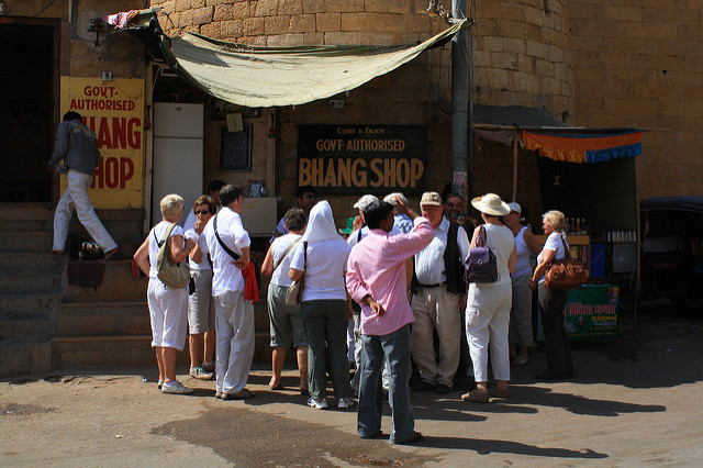 Tourists marvel at a Government Bhang Shop in Jaisalmer | ©Benjamin Vander Steen/Flickr
