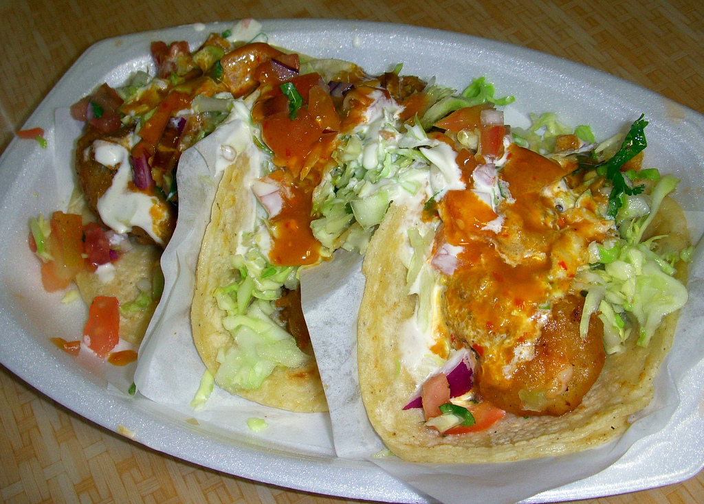 Tacos Baja Ensenada © LWYANG/Flickr
