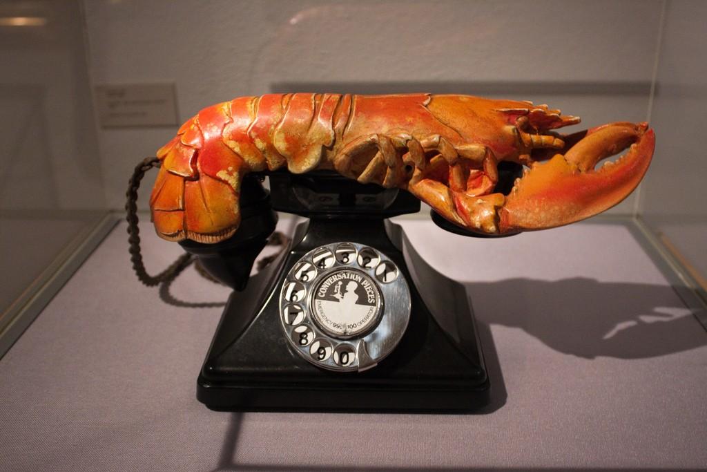 salvador dali telephone painting