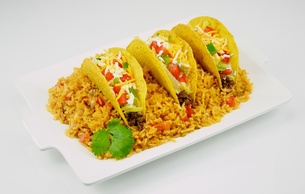 Tacos and Spanish Rice | © TheCulinaryGeek/Flickr