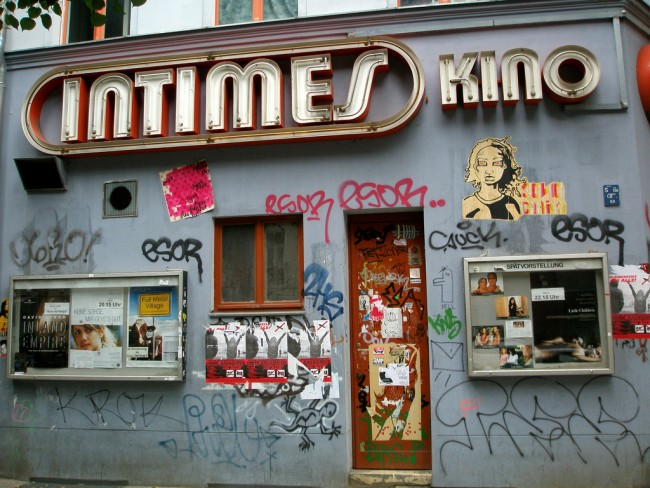 Kino Intimes: staff entrance | © Martin aka Maha / Flickr