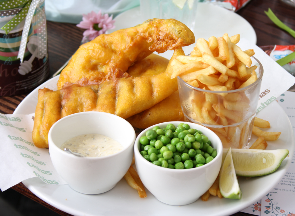 Fish and chips at Tasha's | © Saaleha Bamjee/Flickr
