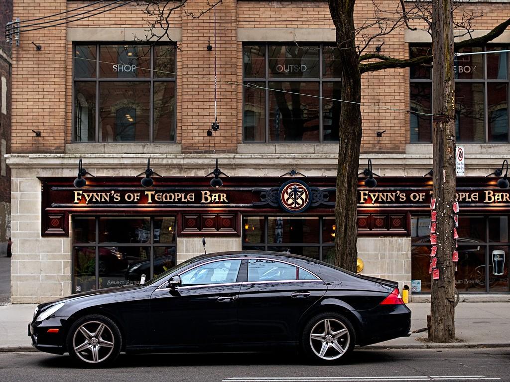 Fynn's of Temple Bar displays the medieval and historic charm of Dublin © Ryan Tir / Flickr