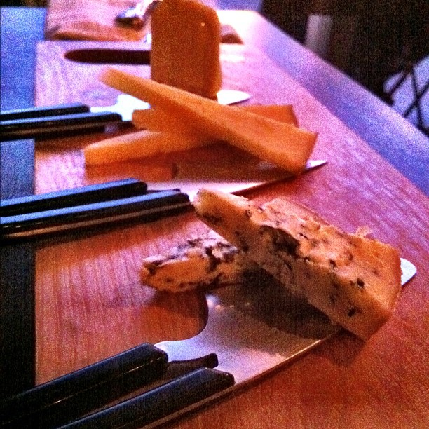 Cheese Flight © Ann Larie Valentine/Flickr