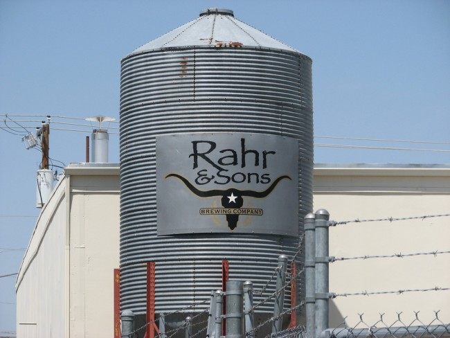 Rahr & Sons | © QuesterMark/Flickr