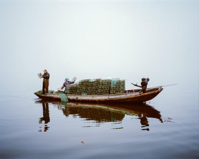 Shrimp fishing, Lake Hong, Hubei Province, China, 2015 | © Mustafah Abdulaziz / WWF-UK