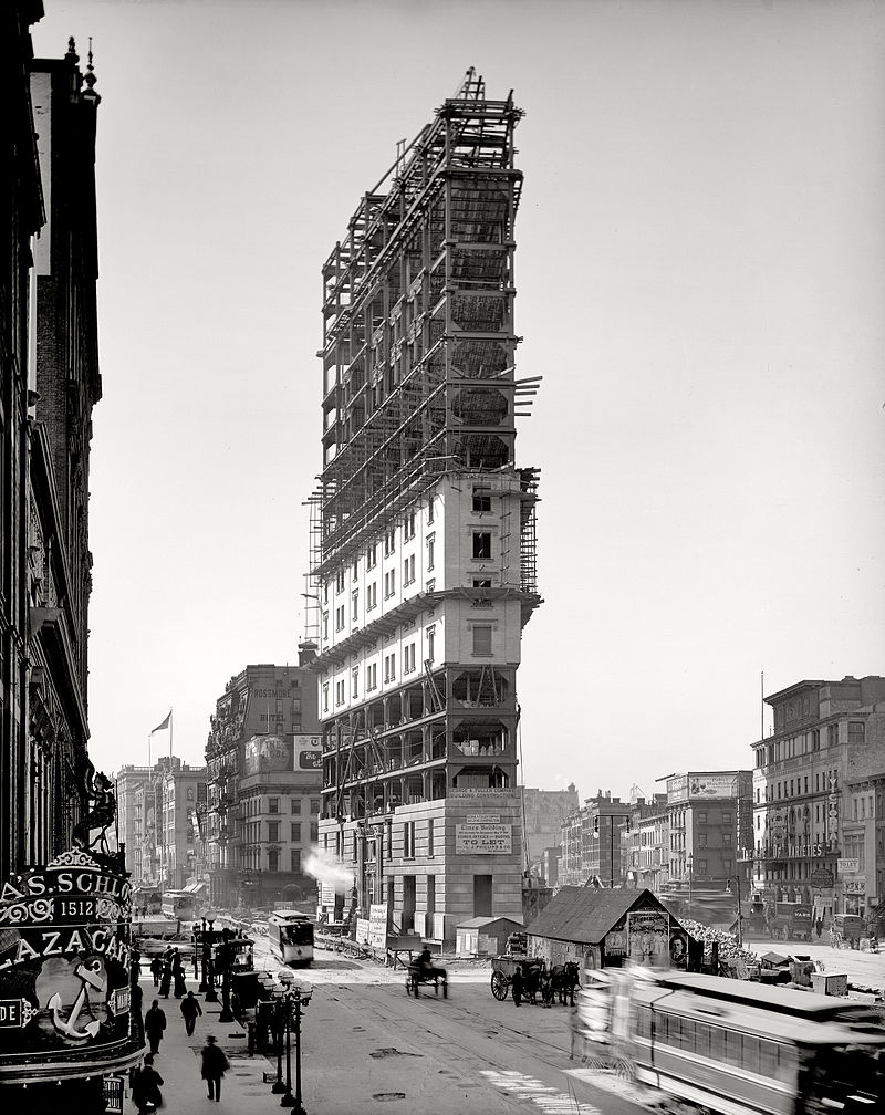 One Times Square under construction 1903 | © WikiCommons