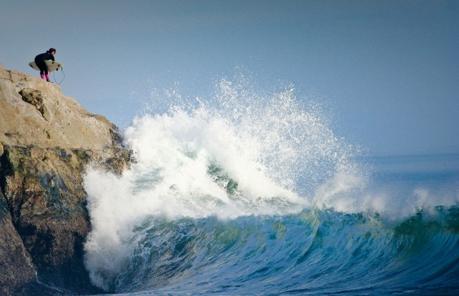 A surfer waits for the perfect moment to dive in | © anthony_goto/Flickr