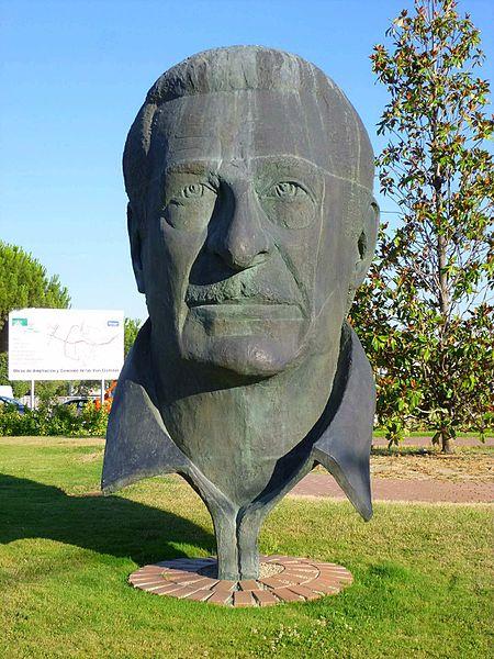 Monumento Alfredo Kraus, Bohadilla del Monte, Madrid |© Zarateman / Wiki Commons