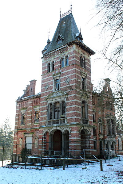 The dilapidated castle of Tournay-Solvay | © Michel Wal/WikimediaCommons