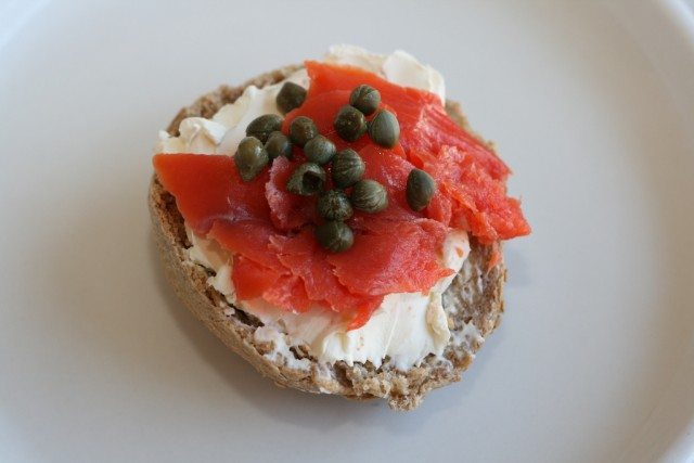 Bagel with lox and cream cheese | © cheeseslave/Flickr