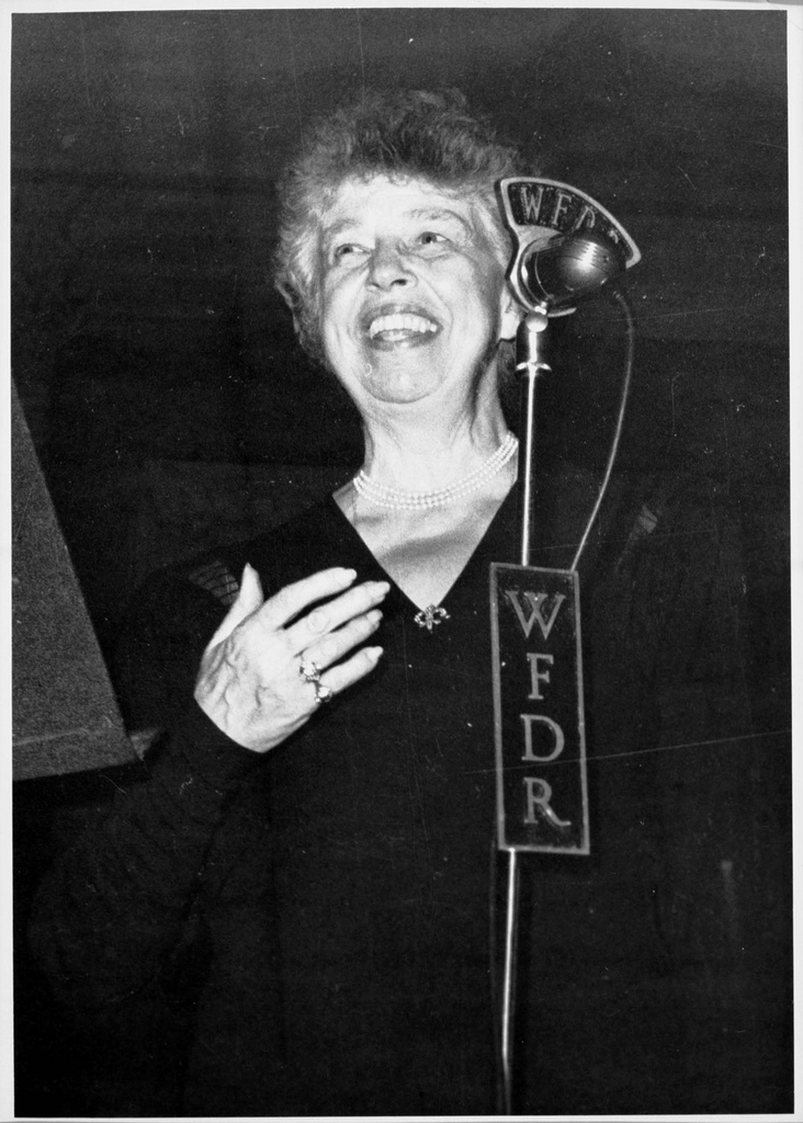 Eleanor Roosevelt speaks into a WFDR microphone.| © Kheel Center/flickr