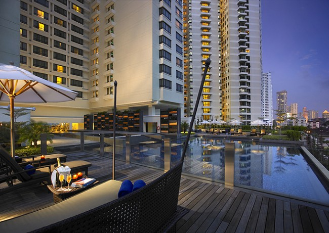 G Hotel Gurney Infinity Pool / Courtesy of G Hotel