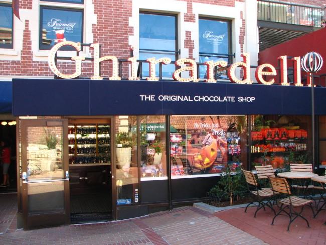 The Original Ghirardelli Ice Cream & Chocolate Shop © Bernard Gagnon /Wikipedia