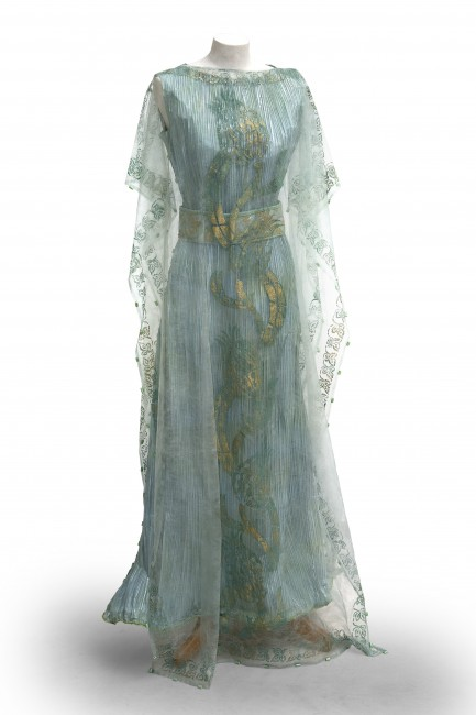 Isabelle de Borchgrave Fortuny-inspired paper dress   © Alain Speltdoorn