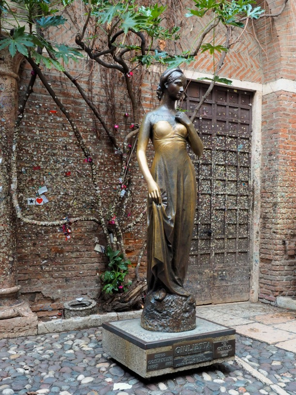 Juliet's statue | Courtesy of Ester Bonadonna