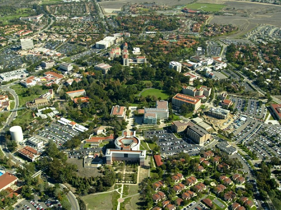 An aerial view of the University of California Irvine and some of the city ⓒPoppashoppa22/Wikipedia