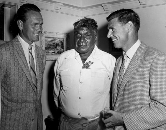 Albert Namatjira with Jack Kramer and Frank Sedgman | © M0tty/WikiCommons