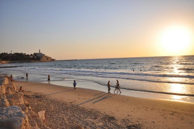 Beach in Tel Aviv   © Jorge Láscar/Flickr