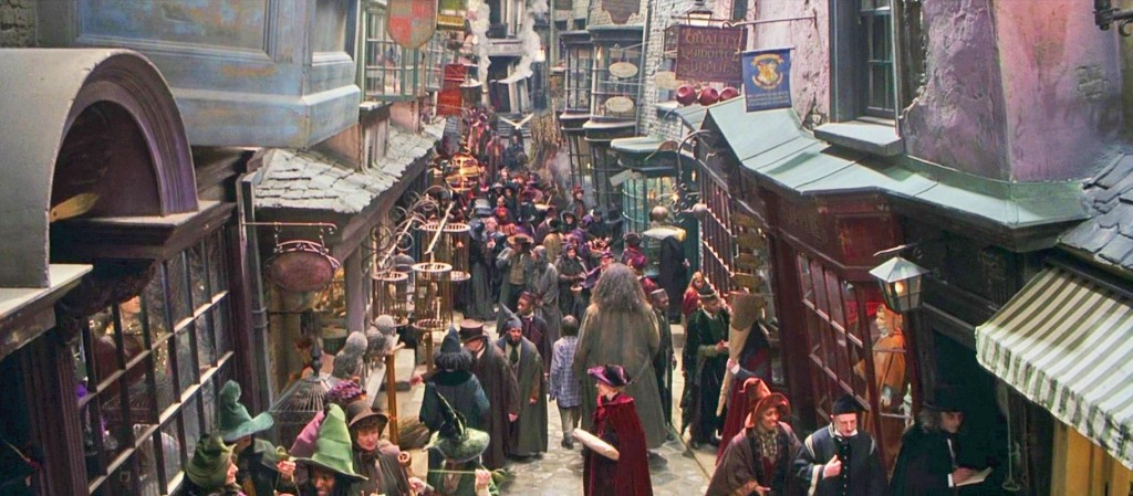 Diagon Alley, Harry Potter and the Philosopher's Stone | © Warner Bros.