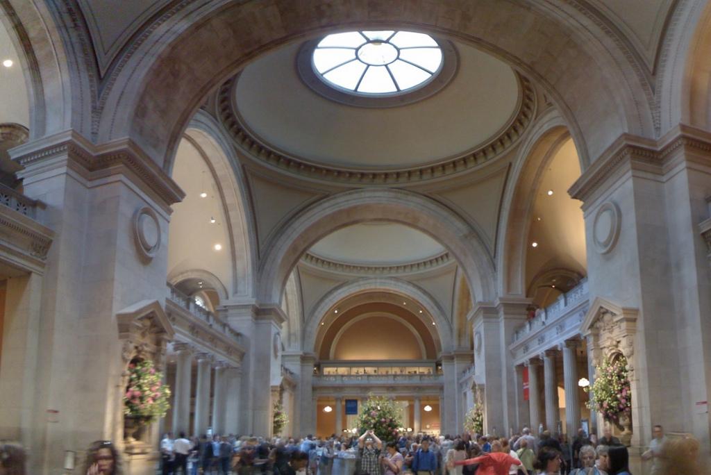 Entrance Hall - Metropolitan Museum of Art  © Michael Gray/flickr