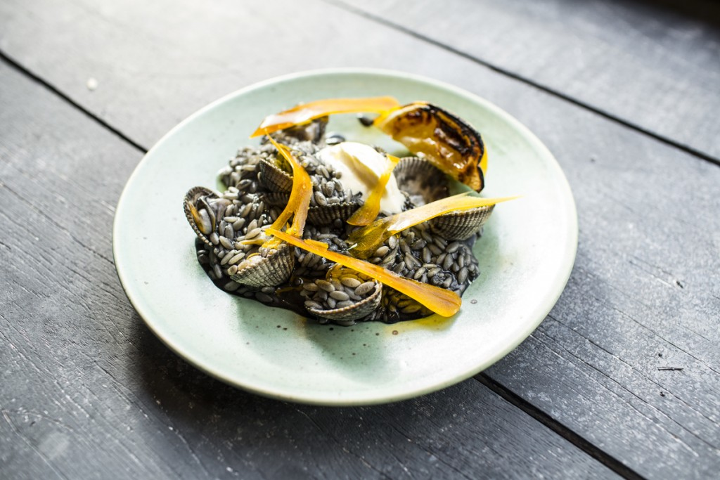 Orzo Nero with Cockles and Bottarga | © Stefan Johnson