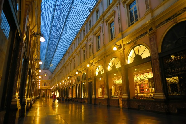 The beautiful Galeries de Saint Hubert around which where many artists, writers and thinkers lived| © WikiCommons