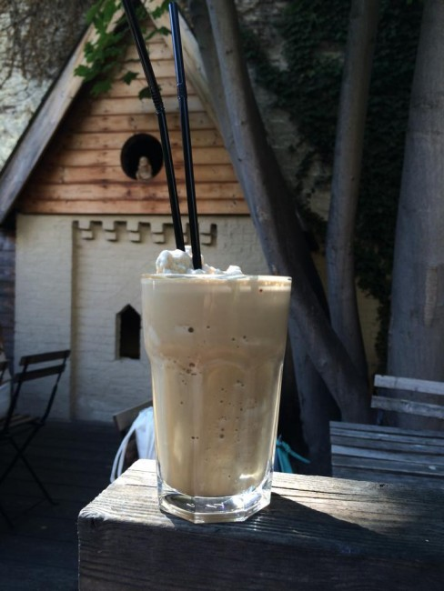 Enjoy a Frappuccino in the garden | Courtesy of Karsmakers Coffee House