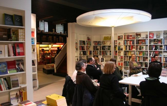 A reading at De Groene Waterman | Courtesy of De Groene Waterman