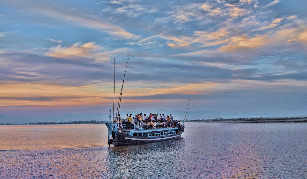Boat ride near Majuli | Credits: Suraj Kumar Das | Source: Wikimedia Commons