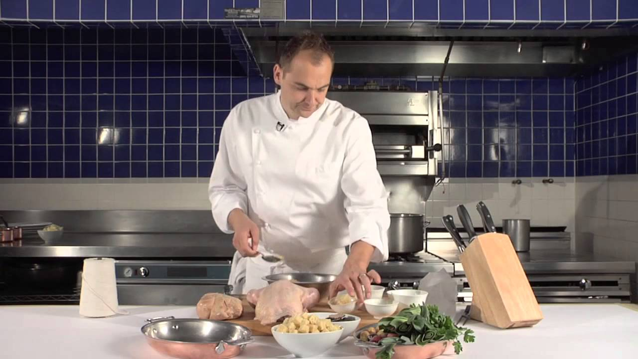 Eleven Madison Park chef Daniel Humm prepares the best roasted chicken ever cooking video| © The Best Cooking Recipes/youtube