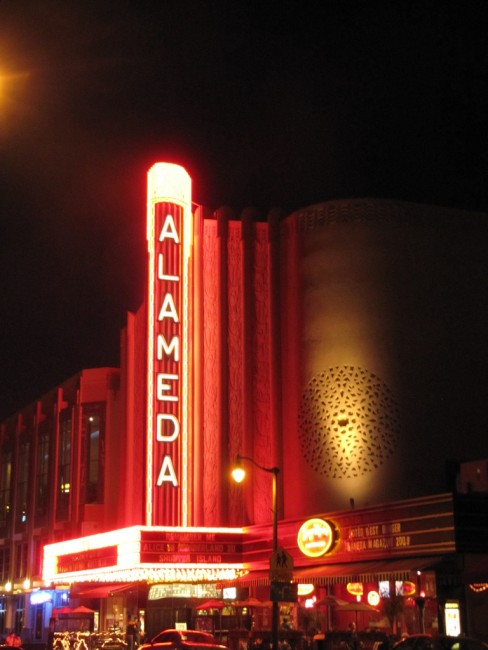Alameda Theater © Cody and Maureen/Flickr