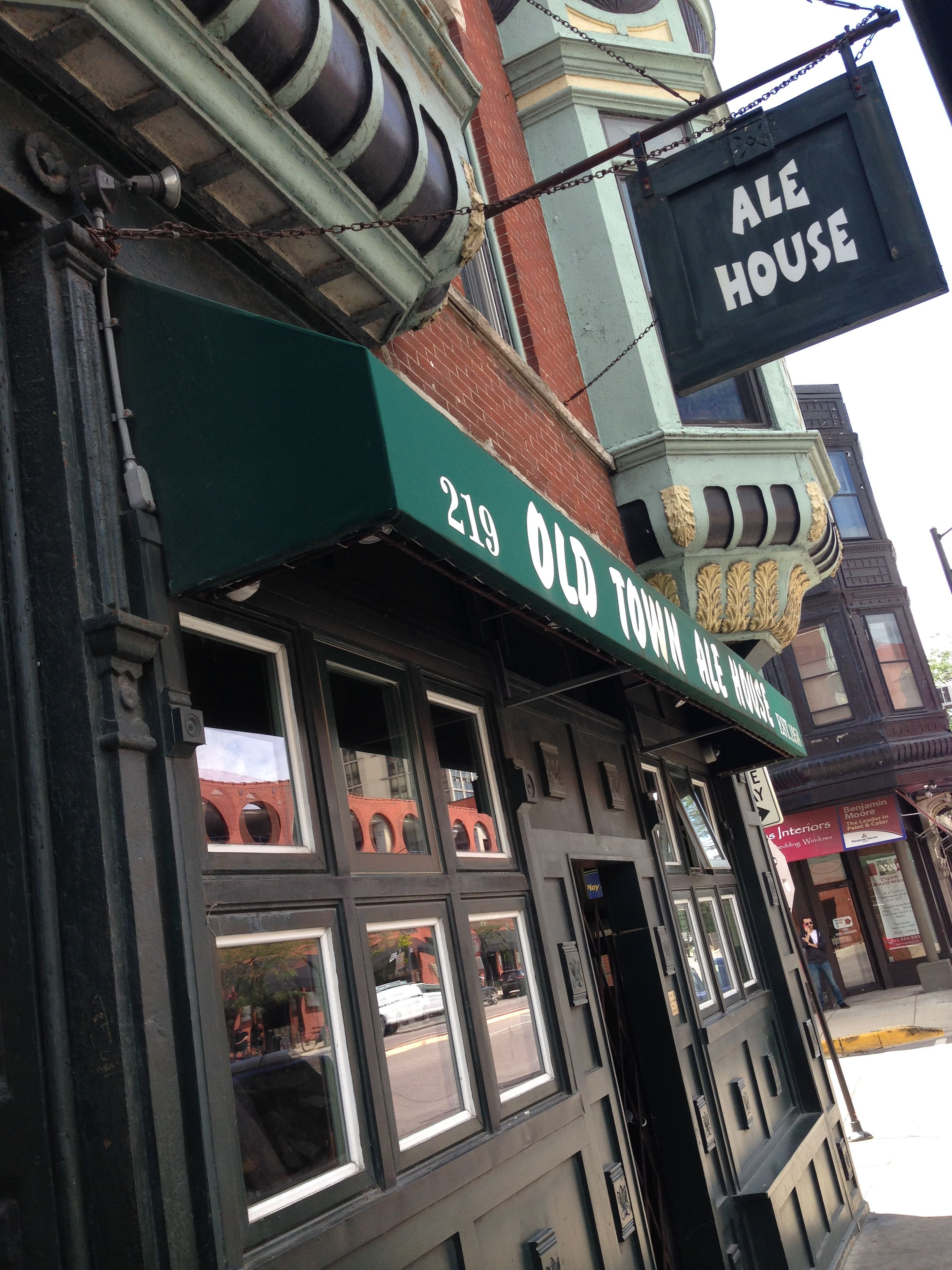 Top 10 Bars In Chicago S Old Town