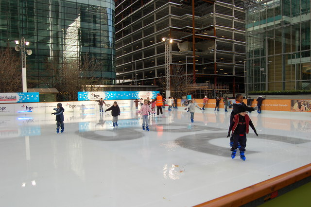 © Open Air Ice Rink/WikiCommons