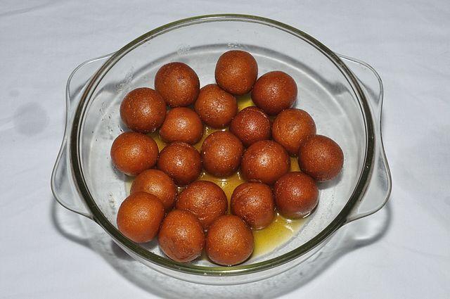 Pantua looks like Gujab Jamun but tastes different © Biswarup Ganguly / WikiCommons