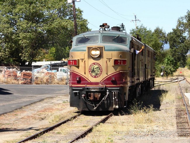 Napa Valley Wine Train © A Yee/Flickr