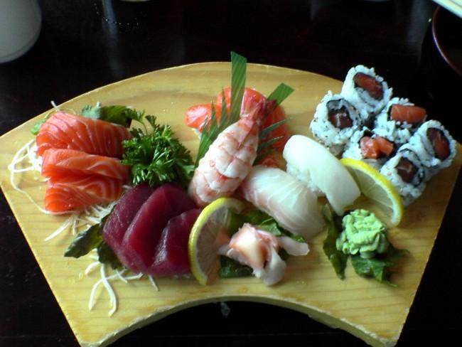 Sushi Selection © J RAWLS/Wikipedia