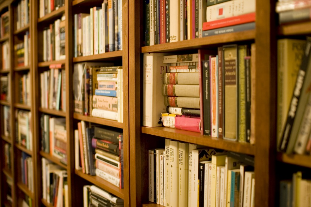 Bookshelf | © Stewart Butterfield/Flickr