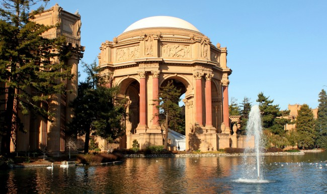 Palace of Fine Arts | © Prayitno/Flickr