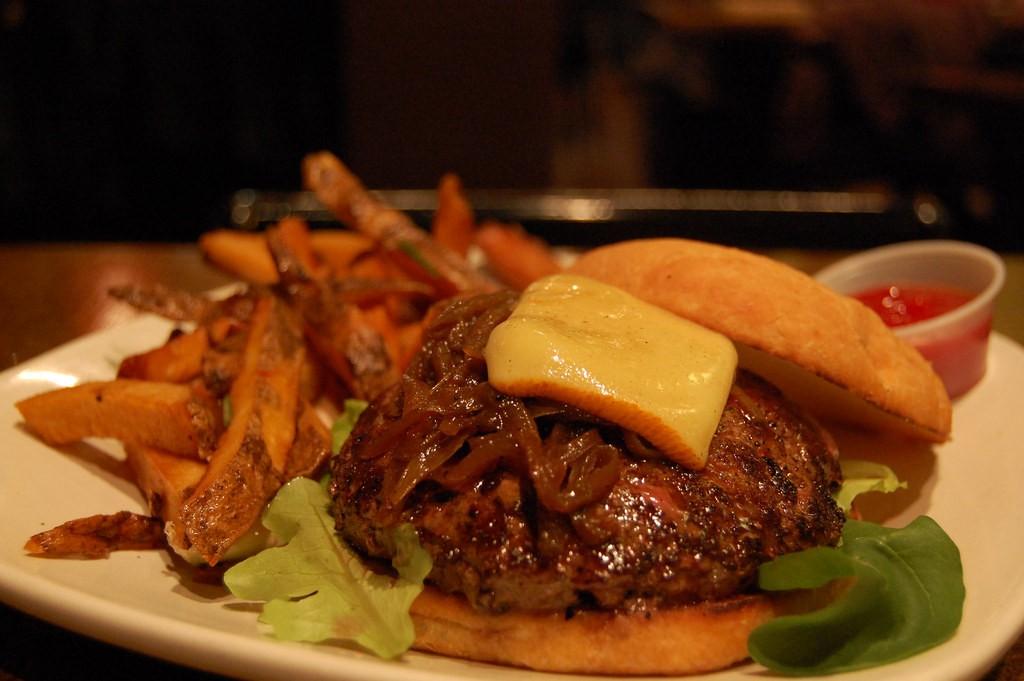 Burger © stu_spivack/Flickr
