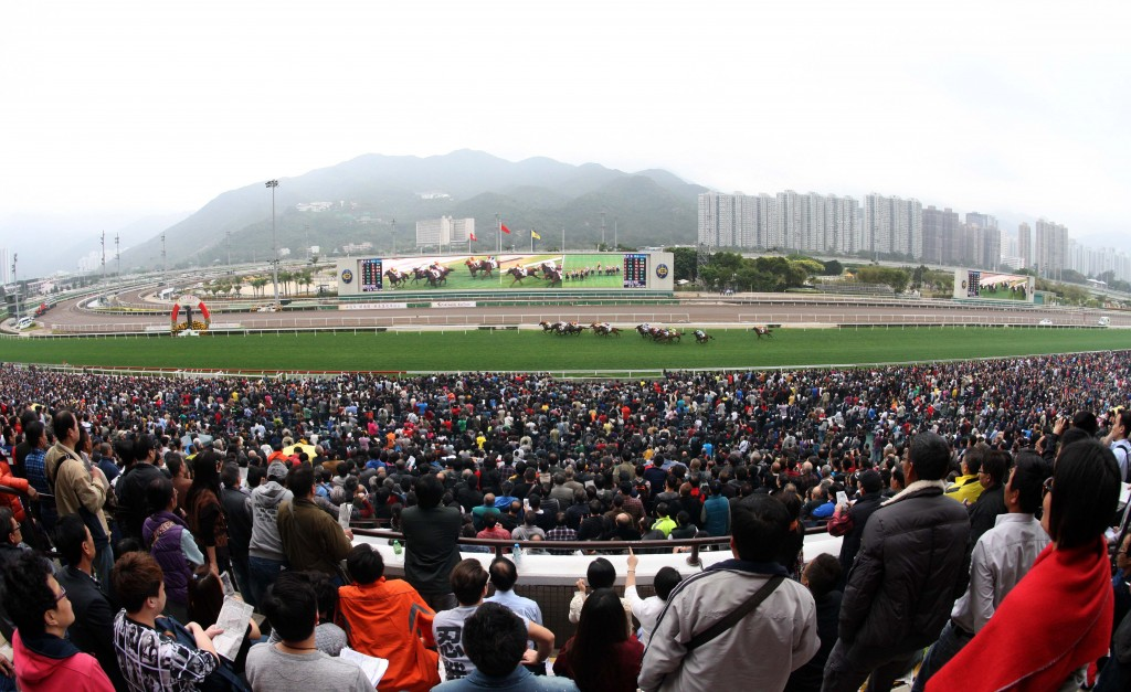 Full house on Chinese New Year raceday   Courtesy of HKJC