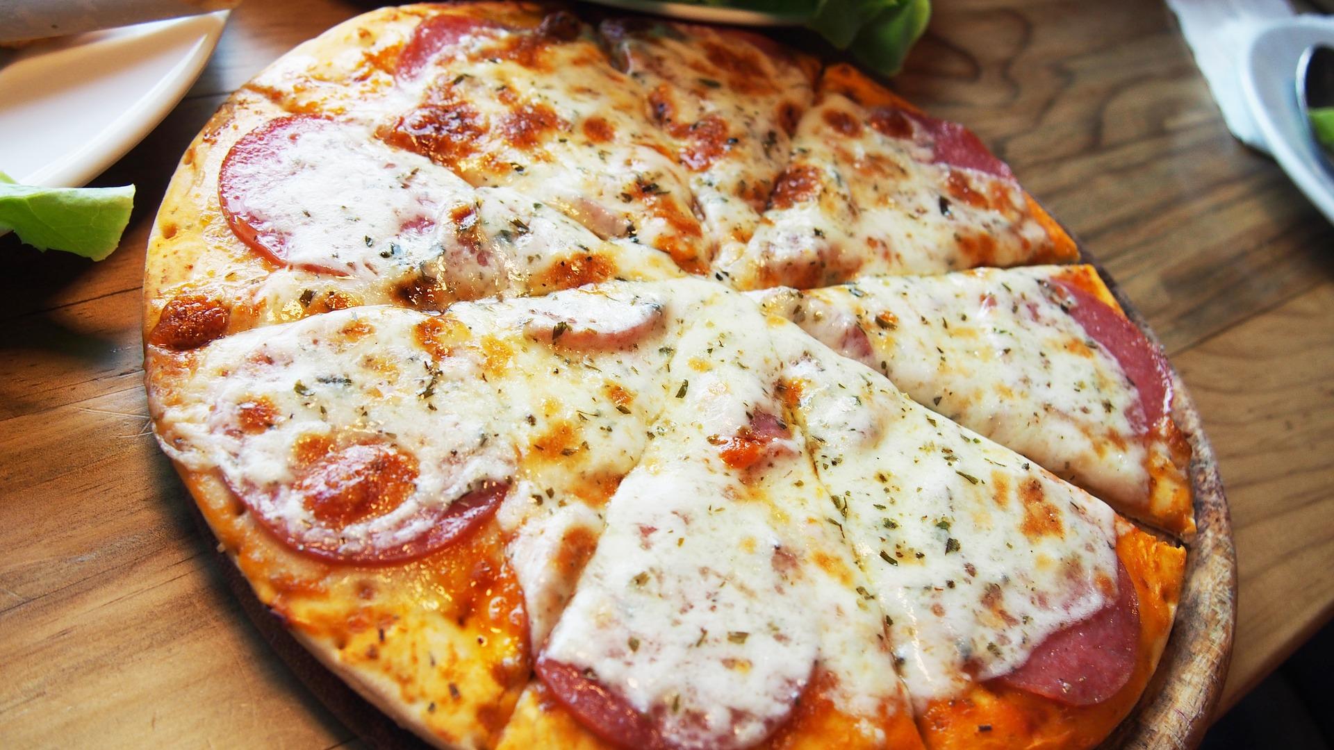 Pizza   © falovelykids/Pixabay